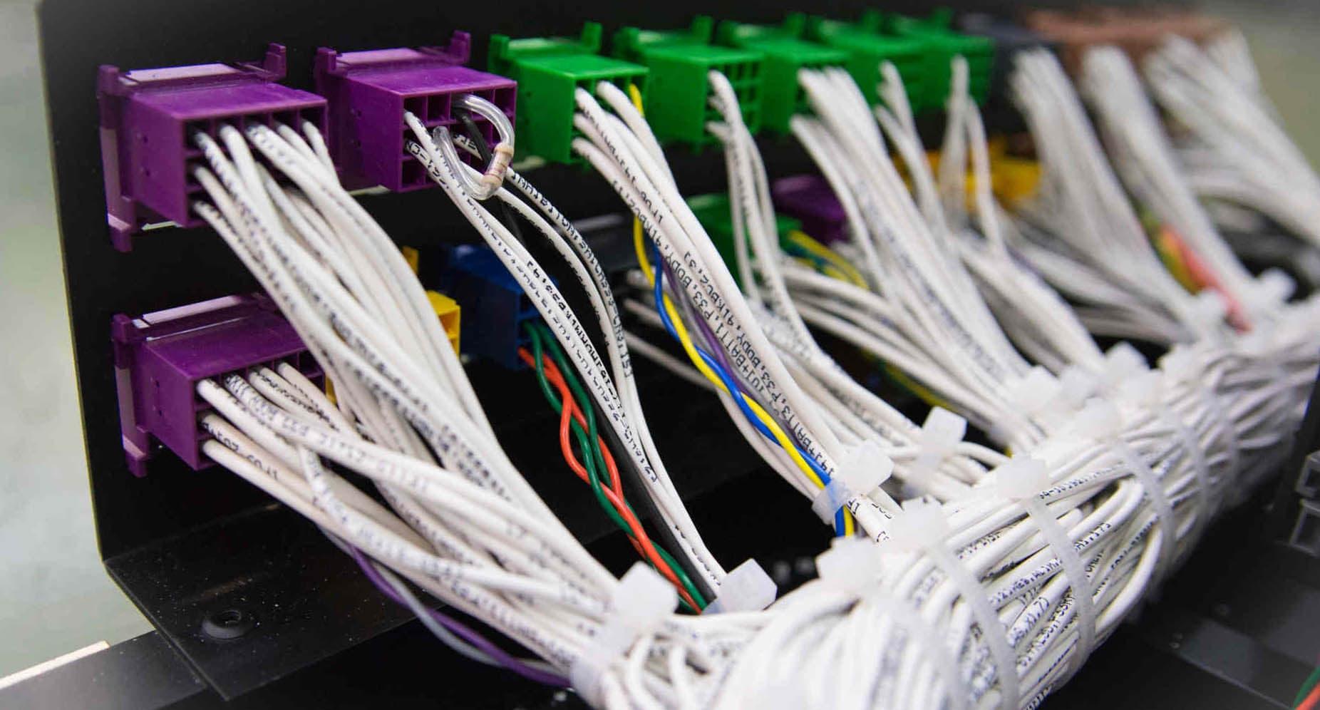 Cableado y mazos de cables para automoción